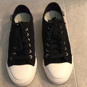 DKNY ladies Sneakers